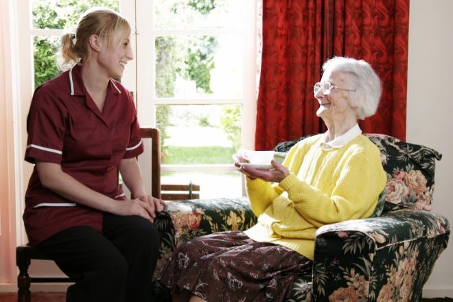 Dịch vụ chăm sóc người bệnh tại nhà tận tâm, chu đáo